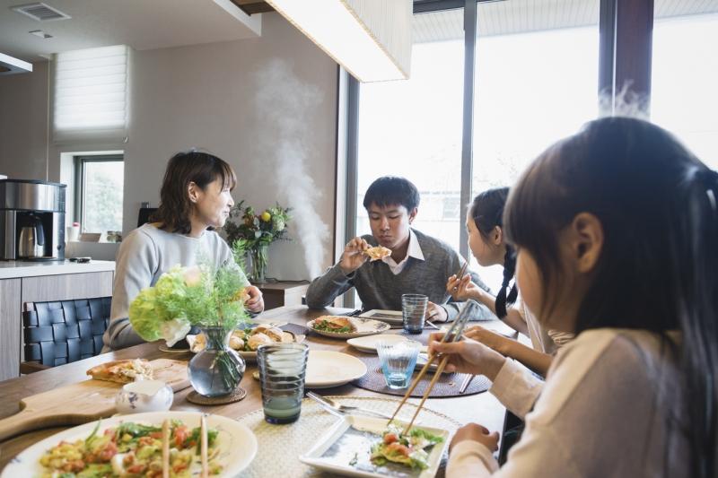 ゴールデンウィークのUber Eatsは毎日が記念日!#Stay Homeでも楽しめる料理が満載!