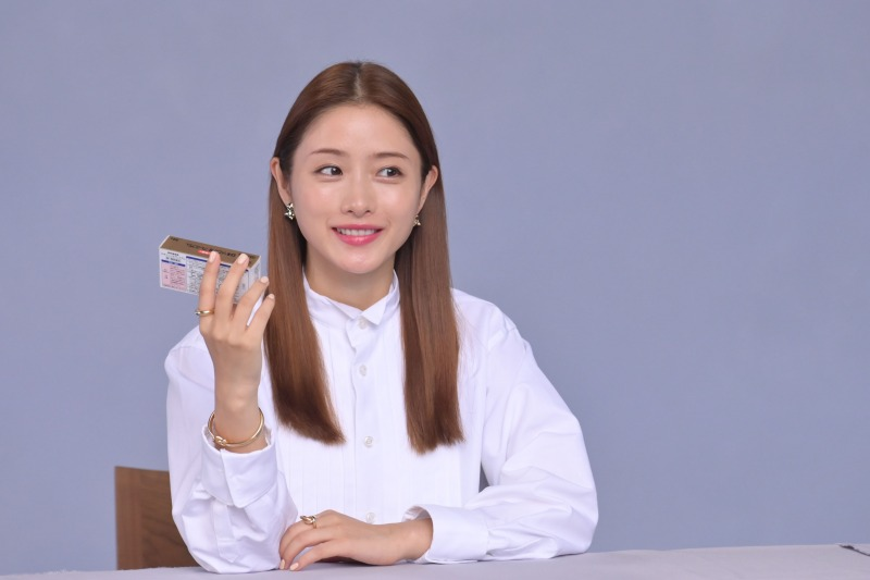 女優 ロキソニン s cm スケール感ある映像と美しく力強い視線に釘付け!新CMキャラクター・北川景子さん登場